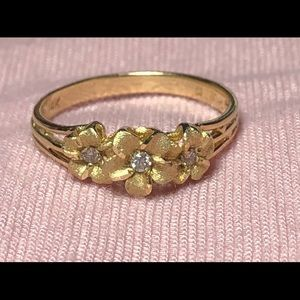 Vintage 14k Yellow Gold Diamond Flower Ring